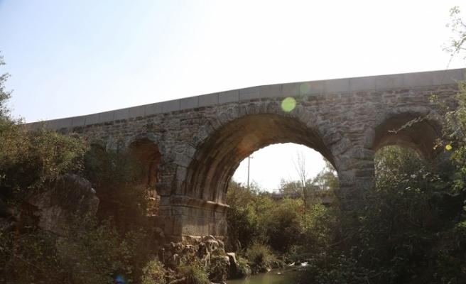 Antik Roma köprüsü 2 bin yıldır ayakta duruyor