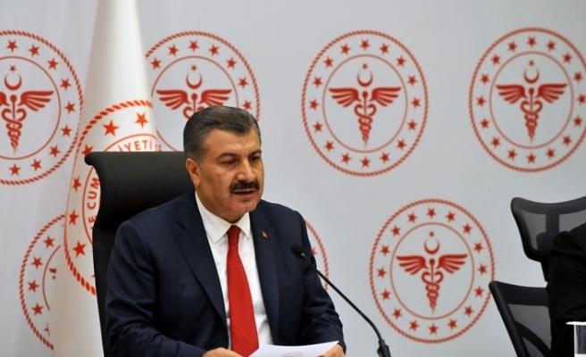 """Bakan Koca: """"Sağlık çalışanlarını, insanlık önünde onurlandırmalıyız"""""""