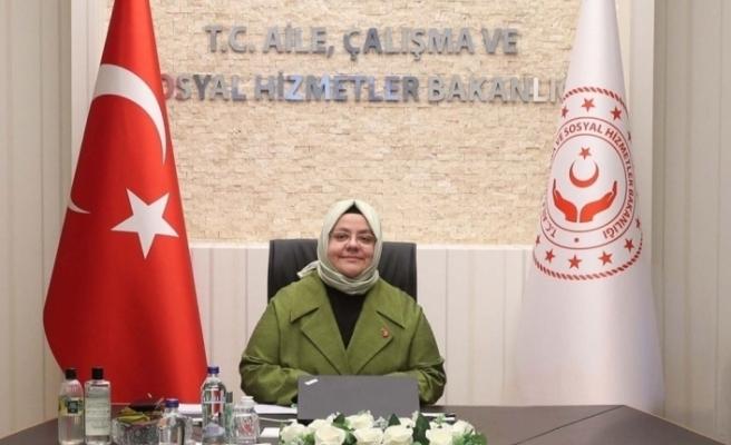 """Bakan Selçuk: """"Depremden etkilenen İzmir'de SED ödemelerini öne çektik"""""""