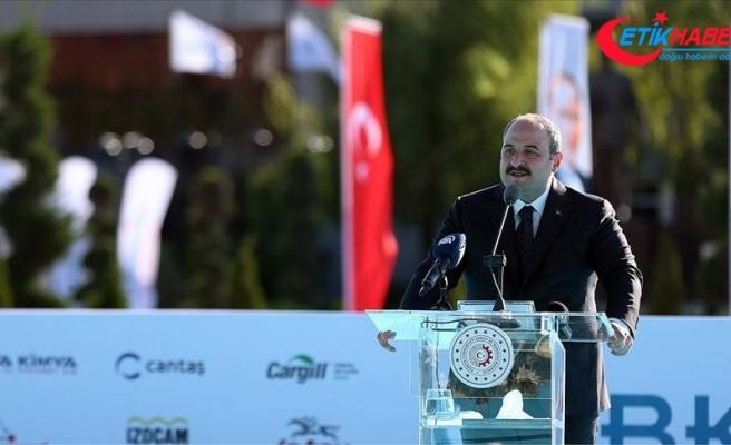 Bakan Varank: Vizyoner projeler ve yatırımlarla Türkiye, pek çok ülkeye göre pozitif yönde ayrıştı