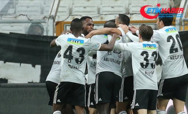 Beşiktaş'ta Fenerbahçe derbisinin kamp kadrosu belli oldu