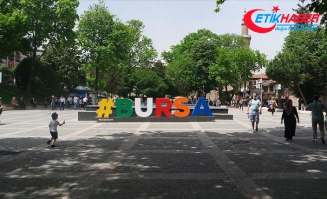 Bursa'da işlek cadde ve pazar yerlerinde sigara içilmesi yasaklandı