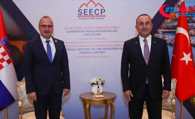 Dışişleri Bakanı Mevlüt Çavuşoğlu, Hırvatistanlı mevkidaşı Radman ile bir araya geldi