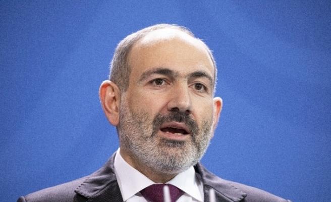 """Ermenistan muhalefetinden Paşinyan'a """"istifa et"""" çağrısı"""