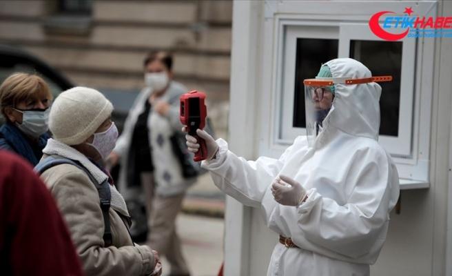 İtalya'da son 24 saatte 25 bin 271 Kovid-19 vakası tespit edildi