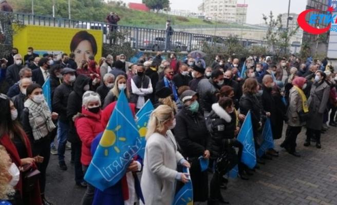 İYİ Parti'de FETÖ isyanı! Bir grup partili eylem yaparak İstanbul İl Başkanı'nın istifasını istedi
