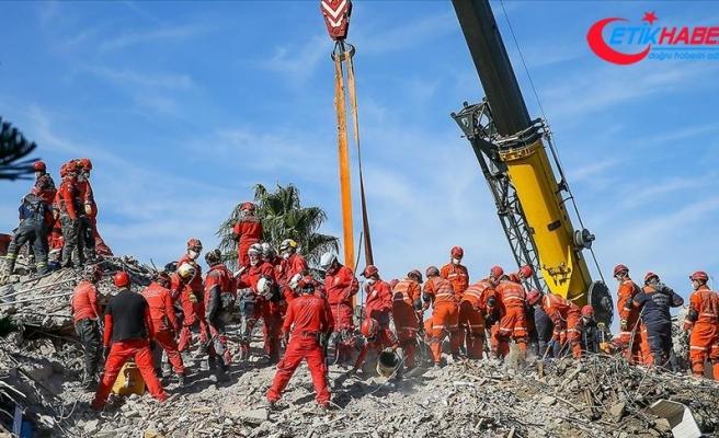 İzmir'de can kaybı 55'e yükseldi