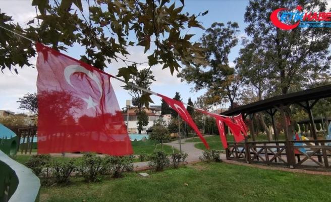 Küçükçekmece'deki parkta terör örgütü sembollerini andıran görseller kaldırıldı