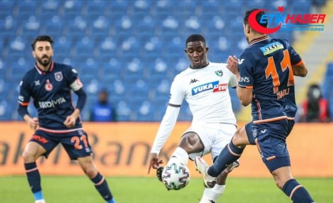Medipol Başakşehir uzatmalarda yediği gollerle berabere kaldı