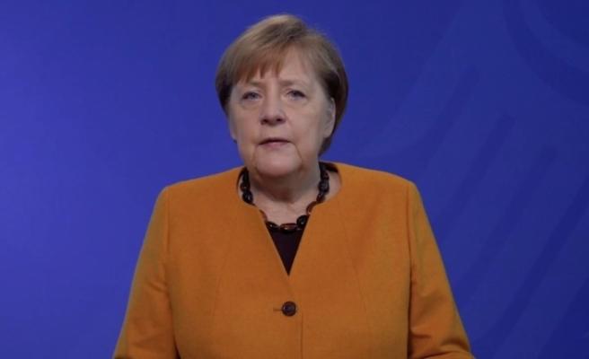 """Merkel: """"Önümüzdeki kış hepimizden çok şey isteyecek"""""""