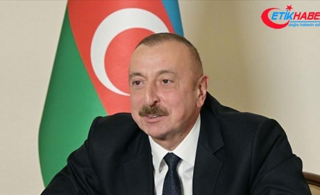Ne mutlu bizlere, ne mutlu Azerbaycan Türklüğüne, ne mutlu büyük Türk milletine.