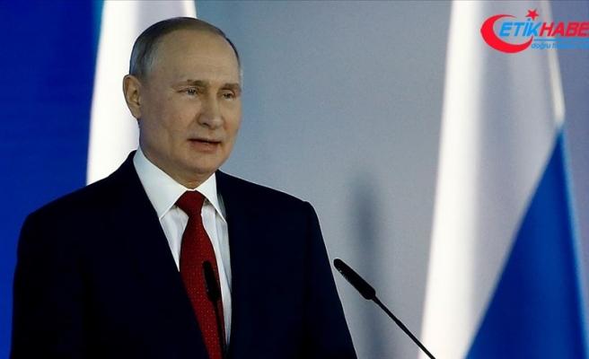 """Putin: """"Kovid-19 nedeniyle 10 milyonlarca insan yoksulluk tehlikesi yaşıyor"""""""
