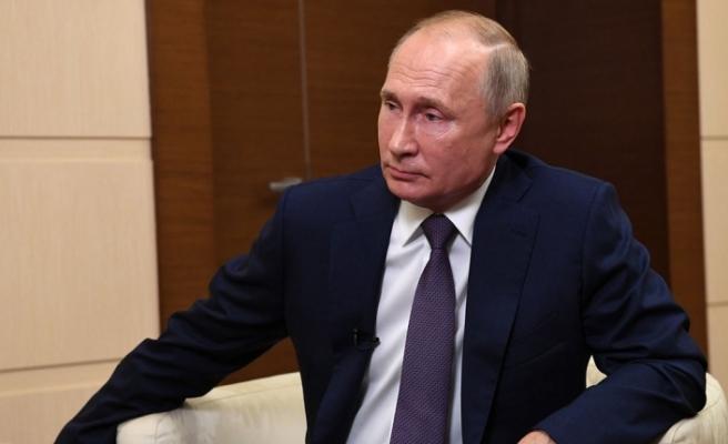 """Putin'den """"küresel petrol talebi 5 yıl içerisinde düşüşe geçecek"""" tahmini"""