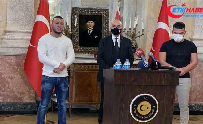 Viyana'daki terör saldırısında polise yardım eden Türkler Avusturya basınında geniş yer buldu