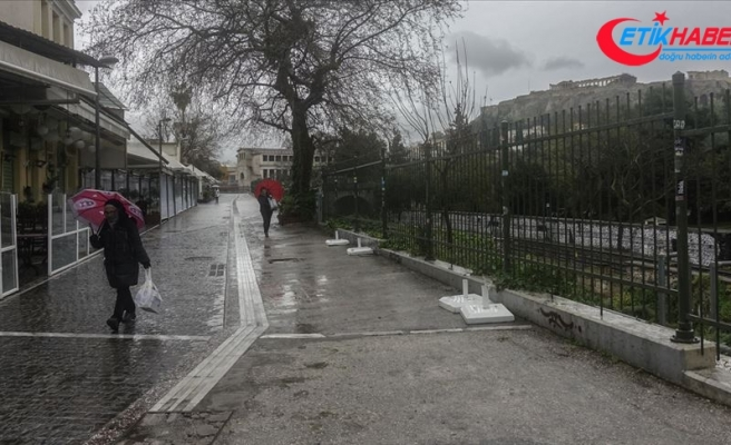 Yunanistan Kovid-19 nedeniyle ikinci kez karantinaya gidiyor