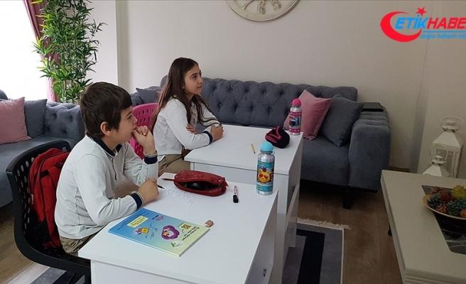 Aile, Çalışma ve Sosyal Hizmetler Bakanlığından Okul Destek Projesi için online danışmanlık hattı