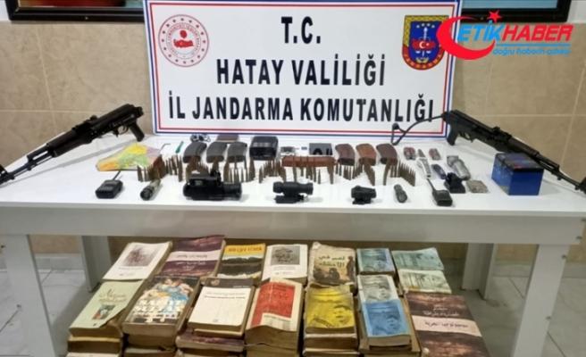 Amanoslar'da PKK'lı teröristlere ait silah ve yaşam malzemeleri ele geçirildi