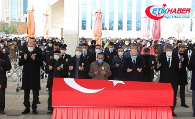 Ankara'da trafik kazası sonucu şehit olan polis memuru son yolculuğuna uğurlandı