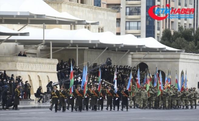 Azerbaycan, Dağlık Karabağ zaferini askeri geçit töreniyle kutladı