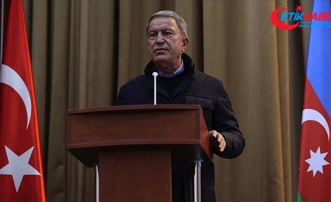 Bakan Akar: Azerbaycanlı kardeşlerimizin hakkını müdafaa etme görevimizi yerine getireceğiz