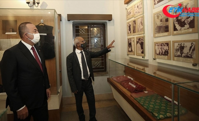 Bakan Çavuşoğlu Bangladeş'te Bangabandhu Anıt Müzesi'ni ziyaret etti