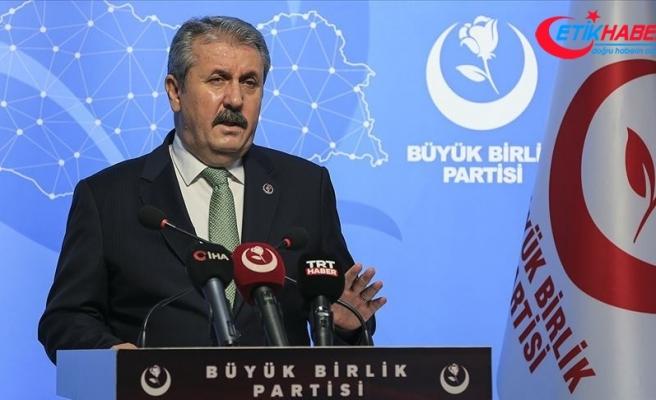 BBP Genel Başkanı Destici: Bu aziz millet, vatan, millet, din, devlet, düşmanlarına bir daha fırsat vermeyecek