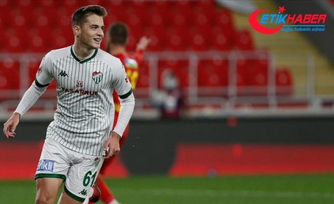 Bursaspor'un genç futbolcusu Batuhan Kör'ün yıldızı parlıyor