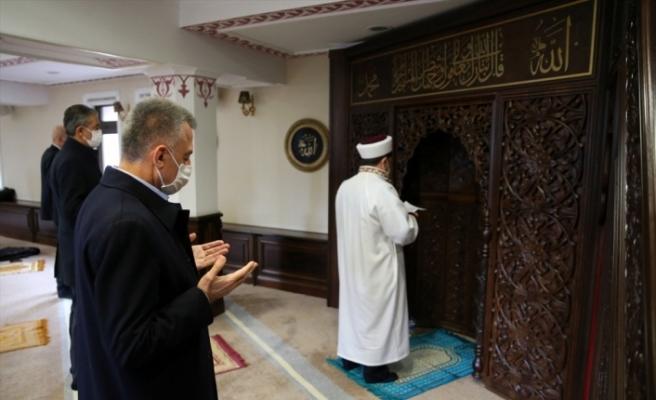 Cuma namazı sonrası tüm camilerde yağmur duası