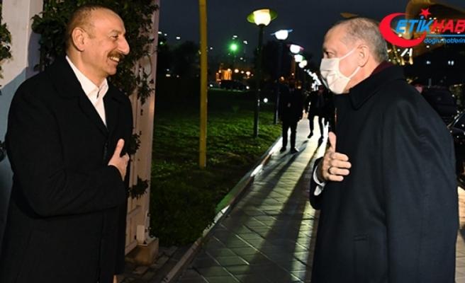 Cumhurbaşkanı Erdoğan, Bakü'de konaklayacağı otele geldi