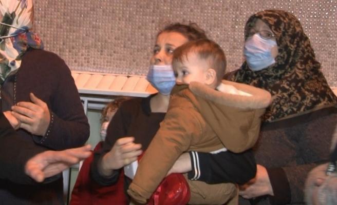 Fatih'te korkutan yangın: Mahsur kalan 22 kişi kurtarıldı