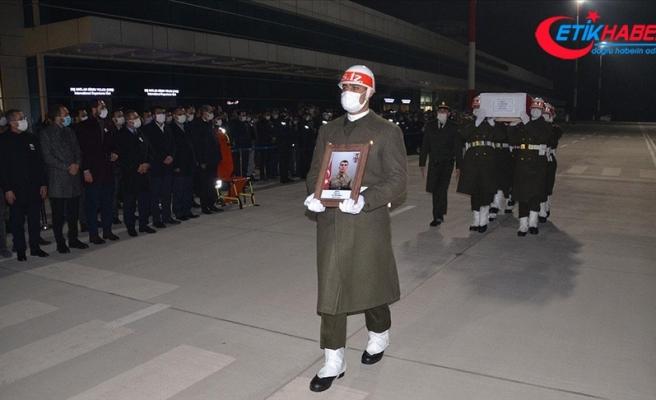 Hakkari'de çığ düşmesi sonucu şehit olan askerin cenazesi Kahramanmaraş'a getirildi