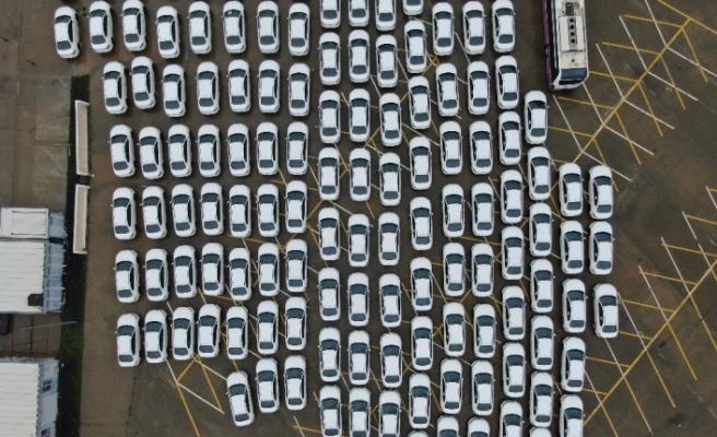 İsrafla mücadele ettiğini belirten İBB'ye onlarca sıfır otomobil