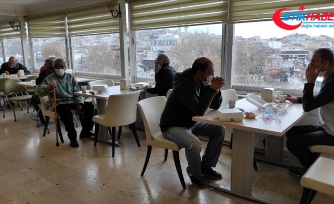 İstanbul Valiliğince evsiz vatandaşlar otellerde misafir ediliyor