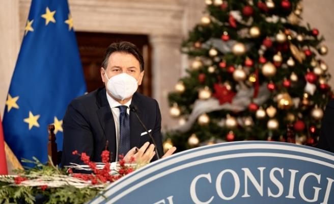 """İtalya Başbakanı Conte: """"Örnek olmak için ben hemen aşı olmaya hazırım"""""""