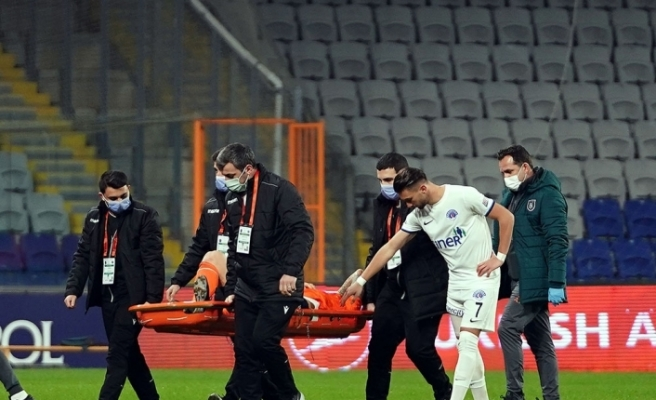 """Medipol Başakşehir: """"Futbolcumuz Martin Skrtel, aşil tendonu kopması nedeniyle ameliyat edilmiştir"""""""