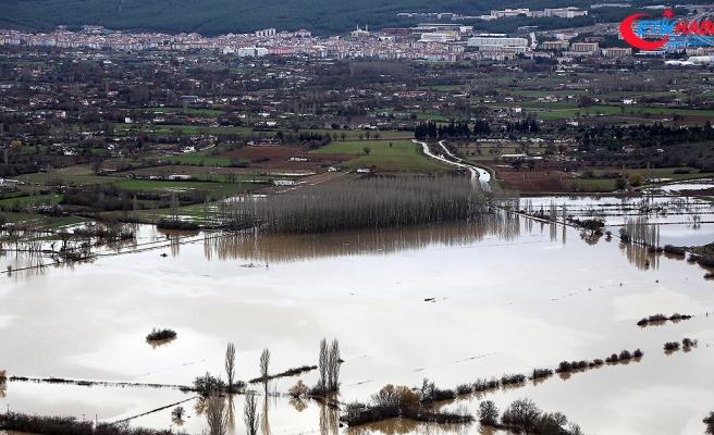 Muğla'da kuvvetli yağış nedeniyle tarım arazileri sular altında kaldı