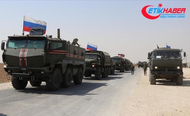 Rusya yüzlerce asker ve araçla Suriye'nin kuzeydoğusuna askeri yığınak yapıyor