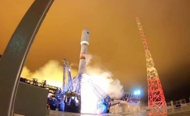 Rusya uzaya iletişim ve istihbarat uydusu gönderdi