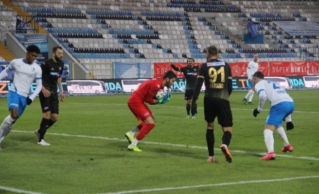 Mesut Bakkal ile galibiyet hasretini bitiren Erzurumspor'da yüzler gülüyor