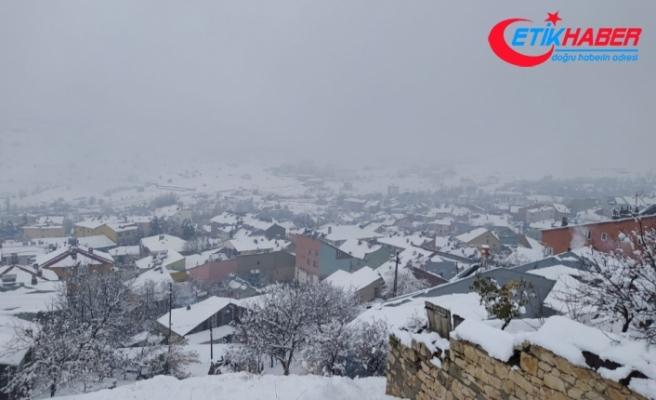 Tunceli'de karla kaplı 9 köy yolunu açma çalışmaları sürüyor