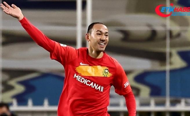 Türk futbolunun emektar forveti Umut Bulut, 489. maçını golle taçlandırdı