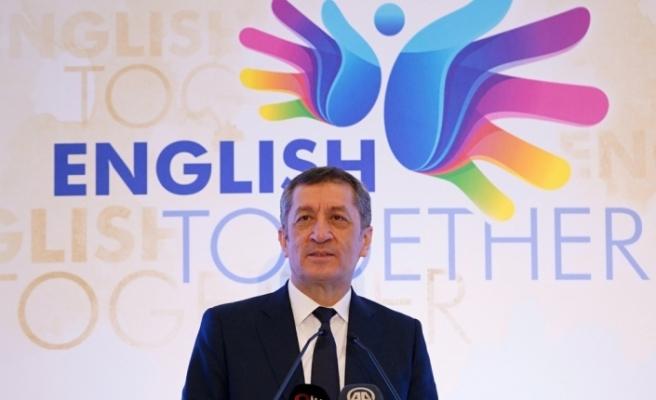 ''Yabancı dil becerilerine gerekli yatırımı yapmak, stratejiler geliştirmek bizim için milli bir ödev''