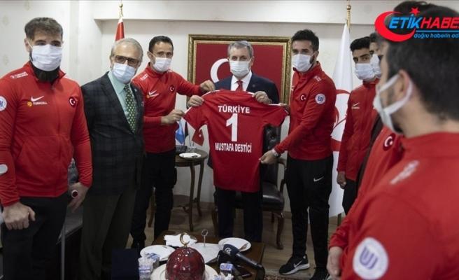 Ampute Milli Futbol Takımı'ndan BBP Genel Başkanı Mustafa Destici'ye ziyaret