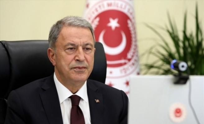 Bakan Akar, KKTC Dışişleri Bakanı Ertuğruloğlu ile bir araya geldi