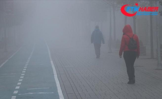 Bolu'da sis nedeniyle görüş mesafesi 30 metreye kadar düştü