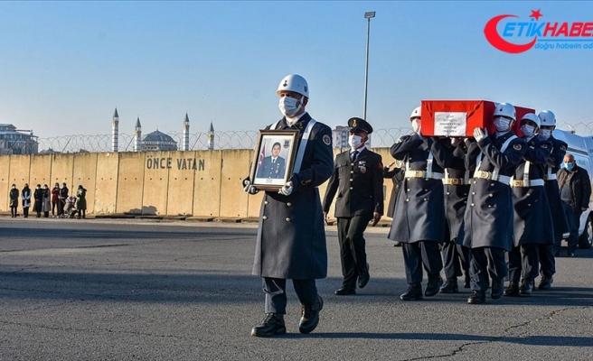 Diyarbakır'da şehit Jandarma Uzman Çavuş Çelik için tören düzenlendi