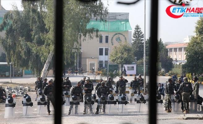 İslamabad'da muhalefet partilerinin protestosu sebebiyle güvenlik önlemleri artırıldı