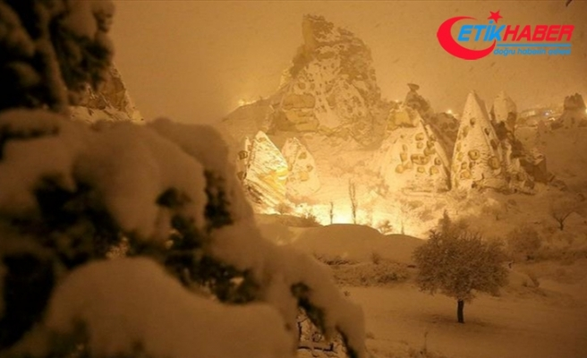 Kar yağışının ardından Kapadokya beyaza büründü