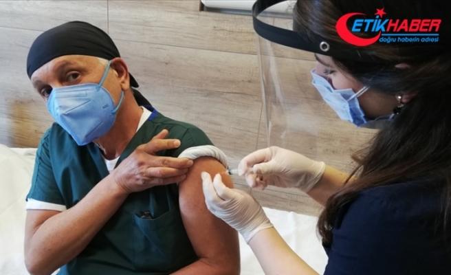 Kovid-19 aşısı yaptıran sağlık çalışanı sayısı 650 bini geçti