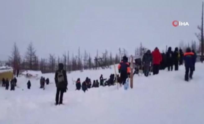 Rusya'daki çığ faciasında 3 kişinin cansız bedenine ulaşıldı